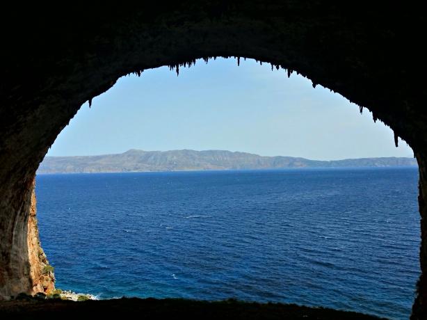 Tersanas cave