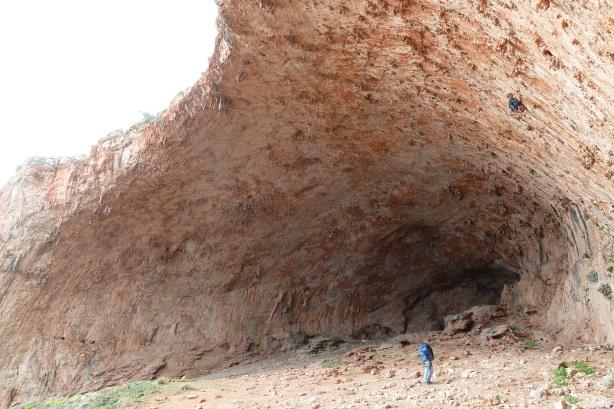 Tersanas cave 1